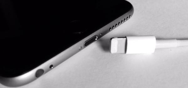 Айфон не включается, но заряжается - что делать?